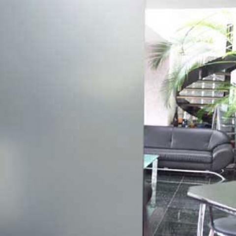 milchglasfolie einrichtungsgegenst nde einebinsenweisheit. Black Bedroom Furniture Sets. Home Design Ideas